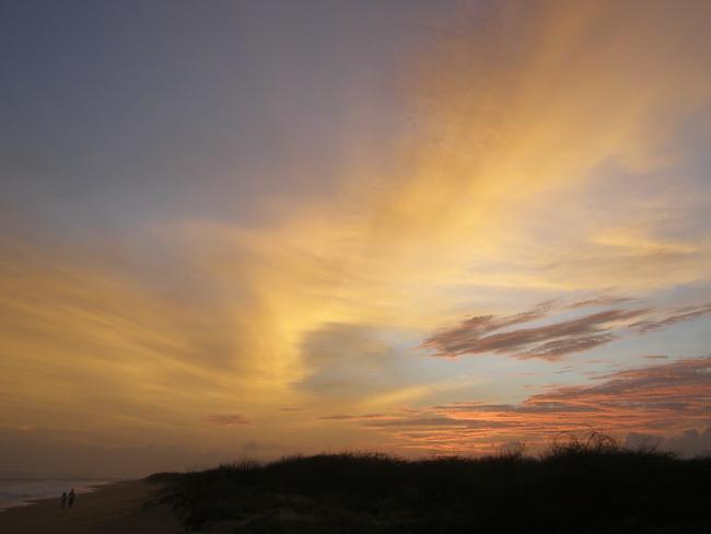 Закат старого мира, 30-й лунный день, 11 сентября, берег Индийского океана.
